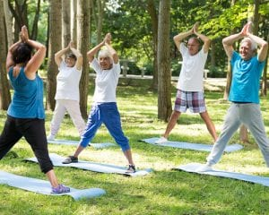 Yoga-Teacher-with-Seniors-at-the-Park